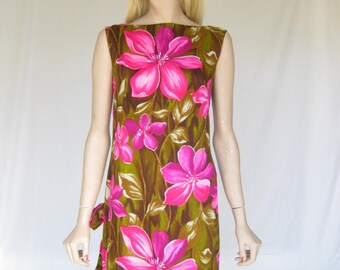 Vintage 60s Mod Hawaiian Tropical Print Dress