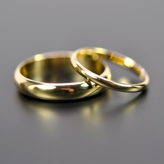 18K Yellow Gold Classic Wedding Band Set, His and Hers Rings, 2mm and ...