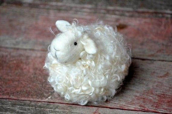 Sheep Felting Kit - Needle Felting Kit - DIY Kit - Craft Kit - Felting Supplies - DIY Craft Kit - Starter Kit - Needle Felted – Beginner