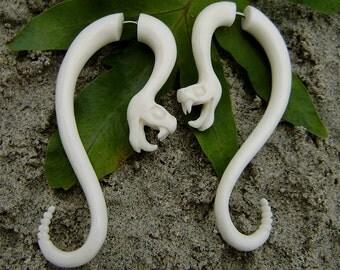 Fake Gauge Earrings - Natural White Bone Fancy Flower Split Expanders tribal fake piercings,hand carved