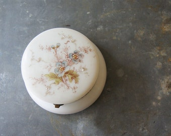 Vintage Wavecrest Glass Box, Powder Jar, Victorian Dresser Piece, Hair Receiver, Wave Crest, C.F. Monroe, Beaded Flowers