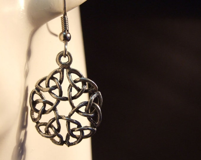 Celtic knot earrings made with Australian Pewter and Surgical Steel hook R149