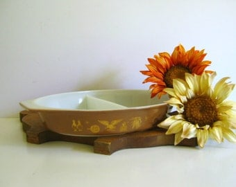 Pyrex Serving Dish Early American Design Brown Gold