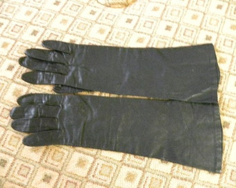 Vintagae Black Leather Gloves Silk Lilned Size 6 1/2