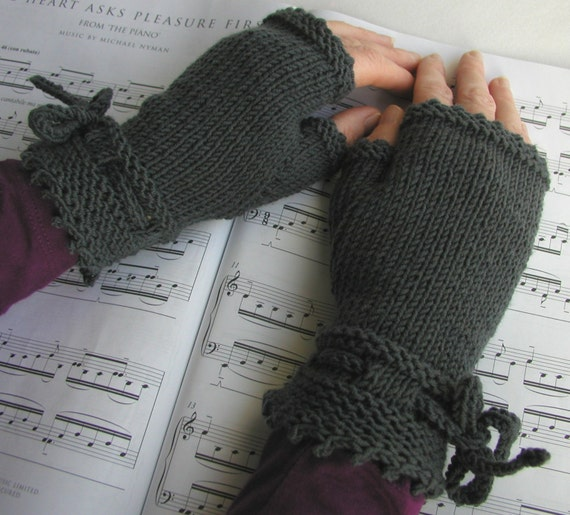Piano Gloves Pattern Fingerless Gloves