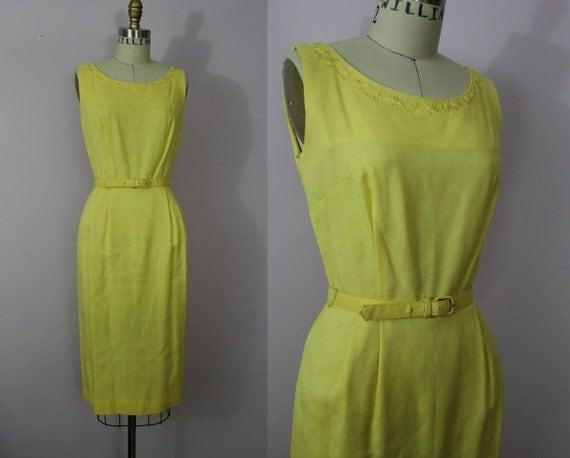 vintage 1950s dress / 1950s Yellow Wiggle Dress / 50s Yellow Day Dress / SZ XS S Small