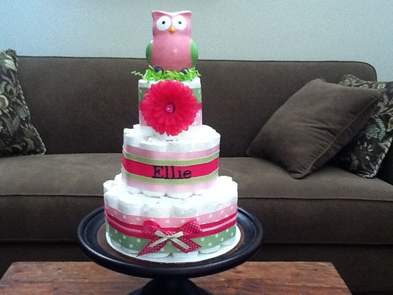 Lenceria De Baño De Buho:Pink and Green Baby Girl Diaper Cake