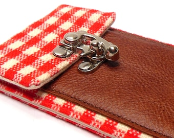 iPhone 5 / 6 / 6 Plus wallet - red and white gingham
