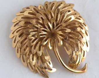 Vintage Monet Gold Tone Palm Tree Abstract Brooch