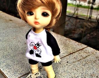 B204 - Lati Yellow / pukifee Outfits - T-shirt  and short pants.