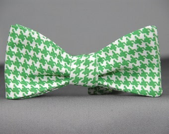 Green/White Houndstooth Pattern  Bow Tie