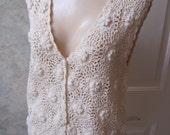 Vintage stringy cotton crochet sweater vest, creamy beige button front sweater vest, vest with dimensional flowers boho hippie size M