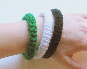 SALE Crochet Bangle Bracelets set of three in green, white and black, ready to ship.