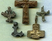 5 broken crosses,  Instant Collections, jewelry, religion curcifix, faith christianity, coolvintage, metal patina cross, Aug 19K