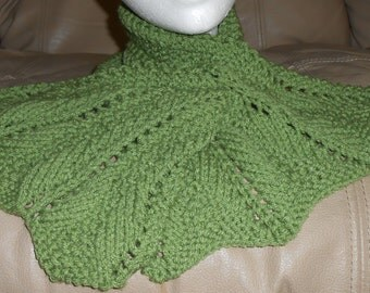 Knitted Neck Wrap Keyhole Scarf Green