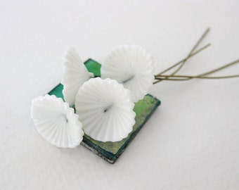Vintage Glass Bead Flower White Embedded Wire Parasol Cherry Brand 15mm vgb0571 (4)