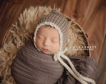 Simple Two Color Knitted Bonnet with Ties - newborn baby photo prop