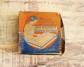 the Wonder Cookie Cutters, 1930s Vintage Kitchen, Dixon Prosser Inc hostess gift holiday gift foodie gift gift for baker