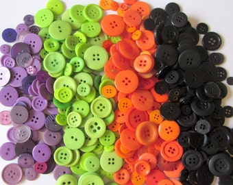 100 assorted HALLOWEEN CARNIVAL Buttons, notions, sewing, craft, scrapbooking, black, green
