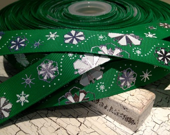 "3 yards 7/8"" GREEN and White with Metallic SILVER Snowflake Christmas Grosgrain Ribbon"