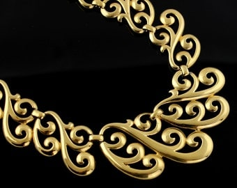 Vintage Napier Necklace - Bold Gold Tone Lace Effect