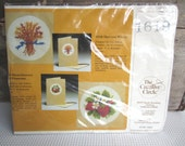 Vintage Creative Circle Strawberries and Blossoms Embroidered Greeting Card Kit