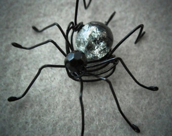 Custom Spider, Wire Spider Custom Pendant, Wire Wrapped Jewelry, Spider Charm, Wire Insect Jewelry,Draht Spinne