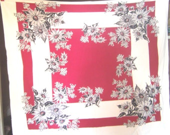 1950s Print Kitchen Table Cloth - Gray Daisies on Red