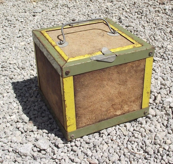 vintage fishing bait canteen worm box