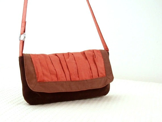 20% DISCOUNT Crossbody bag in chocolate brown and salmon