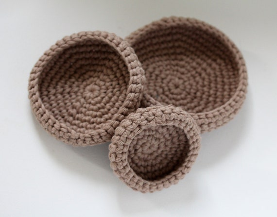 Nesting crocheted bowls