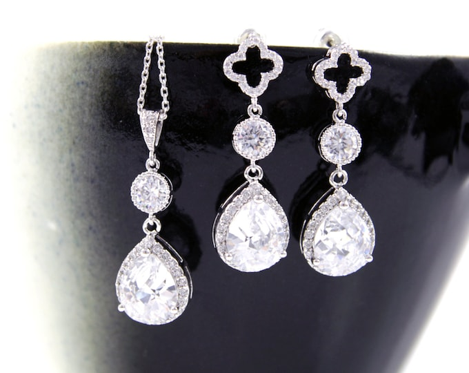 Rozia - Luxe Cubic Zirconia Clover Jewelry Set, Swarovski Teardrop Crystal, Brides Bridesmaid Earrings, Wedding Bridal Earrings