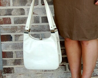 Bone color purse, vegan purse, faux leather, organizer bag, shoulder bag, 1960s framed purse