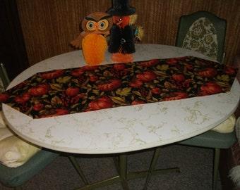 Fall Pumpkins Table Runner