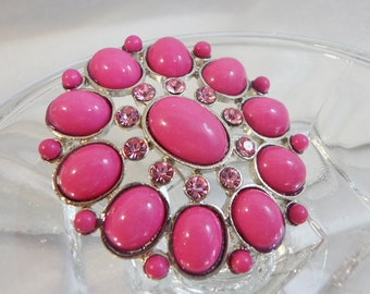 Vintage Pink Brooch. Pink Rhinestones. Oval Cabochons.