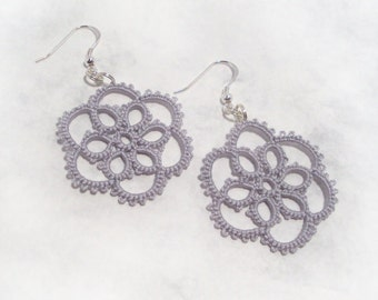 Lace Flower Earrings in Tatting - Aster