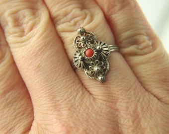 Coral Cannetille Ring - Silver - Vintage