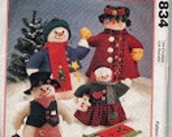 Snowmen Doll Sewing pattern McCall's Craft 834