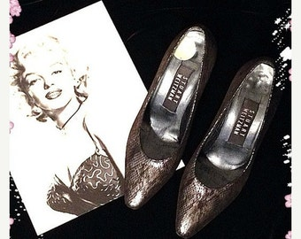 Sale Vintage Stuart Weitzman Black Silver Python Snake Skin look Shoes Pumps size 5 1980s