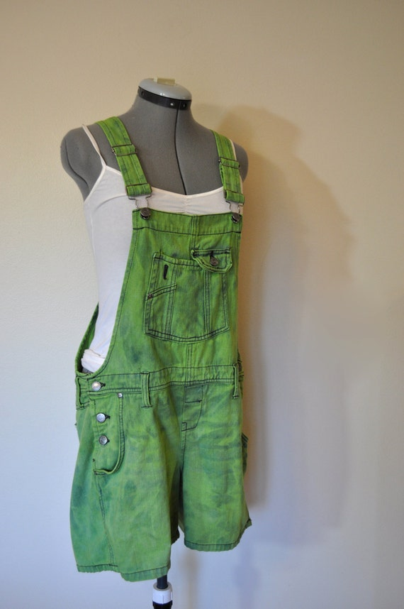 You searched for: green overalls! Etsy is the home to thousands of handmade, vintage, and one-of-a-kind products and gifts related to your search. No matter what you're looking for or where you are in the world, our global marketplace of sellers can help you find unique and affordable options. Let's get started!