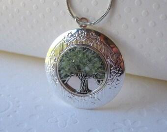 Birthstone Locket, August Birthstone, Birthstone Jewelry, Tree Locket, Round Silver Locket, Peridot Locket