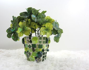 Mosaic Pot of Silk Clover,  child- & pet-safe, green silk clover in green handmade mosaic pot, JillsJoy mosaic .. tagt green