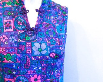 vintage. 60s Psychedelic Mini Dress // S to M