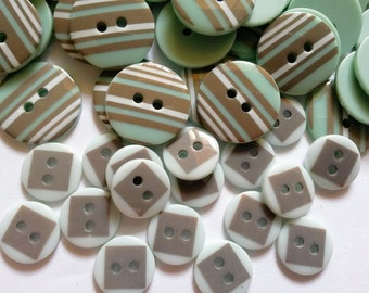 30 pcs Cute mix stripe and square printed Retro Buttons mix size