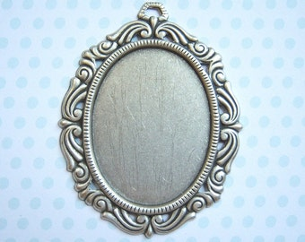 Antiqued silver plated 40x30mm ornate cameo setting - BN168