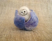 Needle felted easter egg, needle felted owl, Easter basket, Waldorf toy, Owl decor, Spring Nature table, Easter Decor