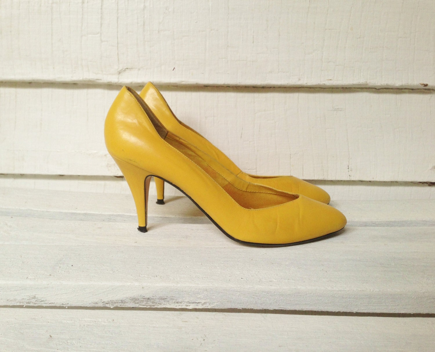 vintage mustard yellow high heels womens shoes size 7