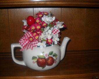 Apple Decorated Teapot