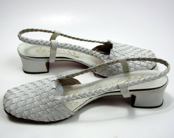 Vintage 1960s White Woven Leather Sling Back Shoes made in Spain