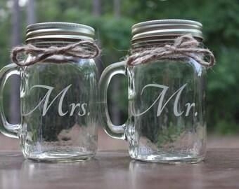 2 Mason Jars Mugs, Personalized Mason Jar Mugs, Mr and Mrs Mason Jar Mugs, Couples Mason Jar Mugs, Engraved Mason Jar Mugs, Couple gifts